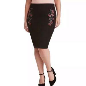 Torrid Black Floral Embroidered Pencil Skirt